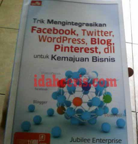 Trik mengintegrasikan Facebook, Twitte, WordPress, Blog dll