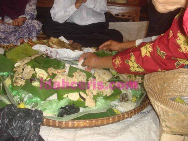 Makanan dalam Tampah