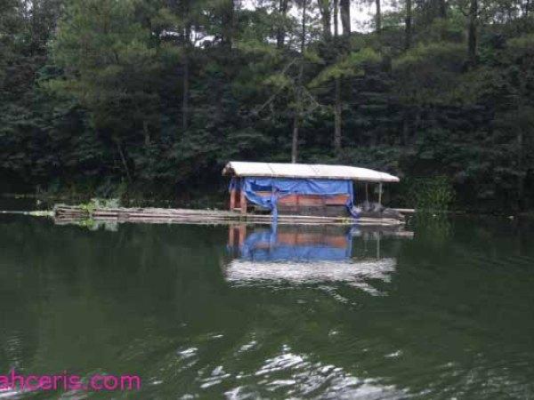 Perahu Tambak Telaga Menjer