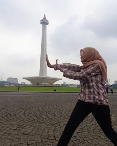 Berfoto Narsis Di Monas Jakarta