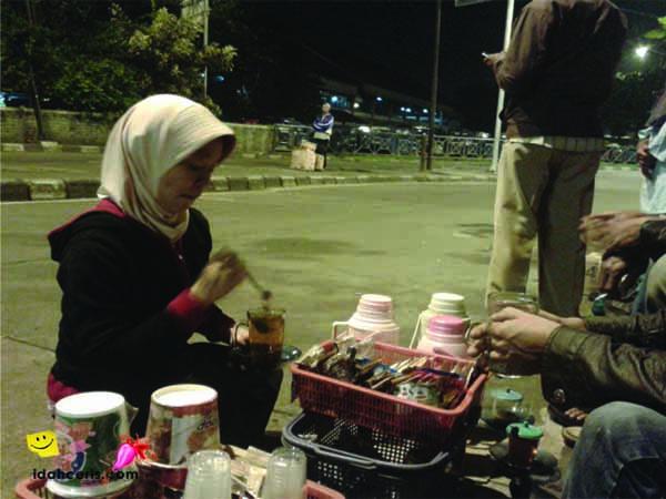 TERMINAL KAMPUNG RAMBUTAN JAKARTA