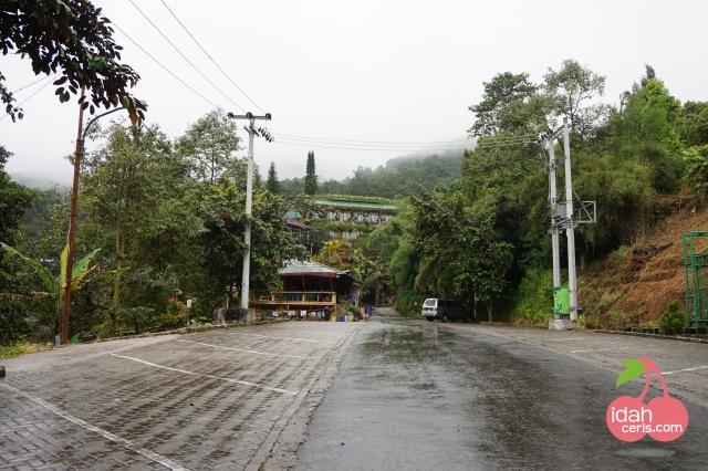 ic Akses Pura Parahyangan Agung Jagatkartta