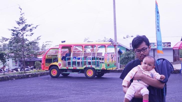 mobil_transportasi_ke_lembah_asri[1]