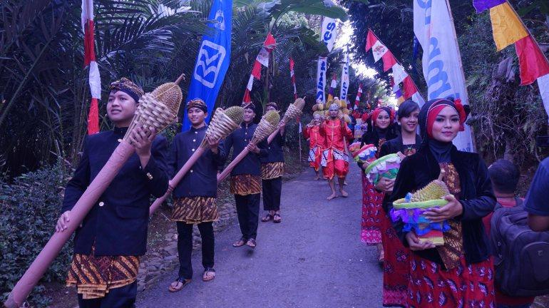 FESTIVAL DURIAN NDIRUN BANJARNEGARA PARADE