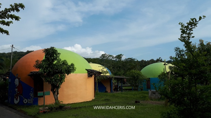 RUMAH DOME TELETUBBIES